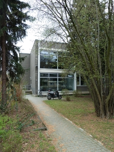 Side entrance Center of Anatomy (Kreuzbergring 36)
